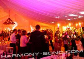 Décoration de salle mariage avec boites ambres
